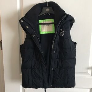 Abercrombie & Fitch Puffer Vest